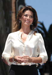 th_197043425_ShaniaTwain_walk_of_fame_190_122_497lo